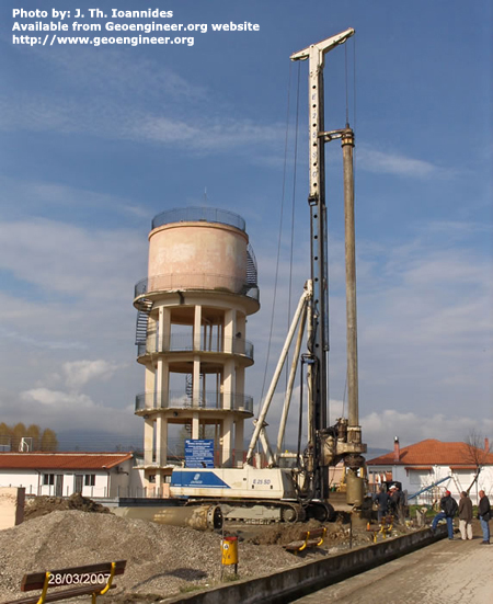 Title: Large pile rig at construction site<br>Title: Large pile rig at construction site