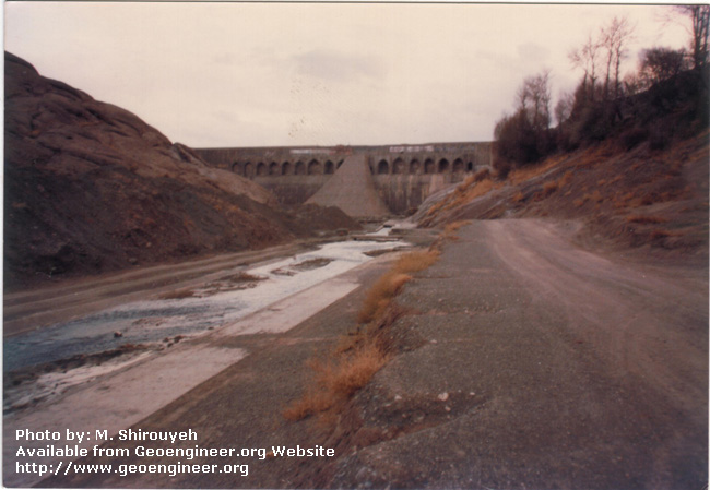 Title: Old masonry Dam<br>Title: Old masonry Dam of 20m height, named Fariman, close to the Fariman town, N.E. of Iran. Donated by: F.B. Samani Date: April 1993