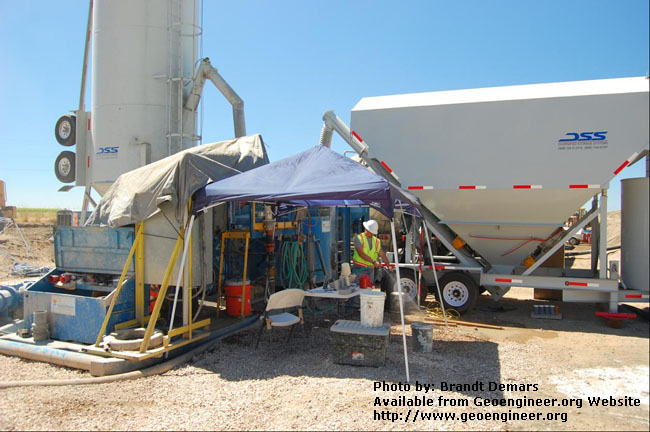 Title: Preparation to test the unit weight of the CB slurry<br>Title: D-526-418-5343 a?? Reclamation inspector Dale Hamilton prepares to test the unit weight of the CB slurry using a mud balance.  Donated by: Jeffrey A. Farrar Date: August 21, 2008