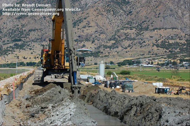 Title: View of CB wall construction operations<br>Title: D-526-418-5432 a?? View of CB wall construction operations at Station 643+00. The CB plant can be seen in the background (Station 653+00).  Donated by: Jeffrey A. Farrar Date: August 29, 2008