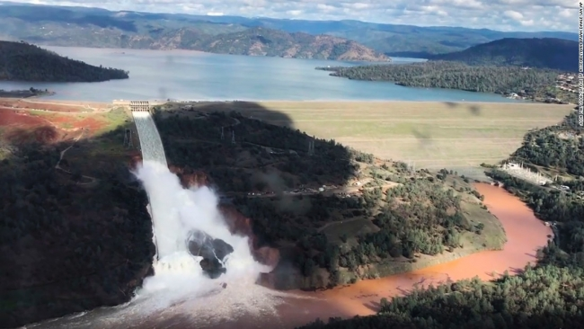Damage to California's Oroville Dam forces mass evacuation under the threat of flooding