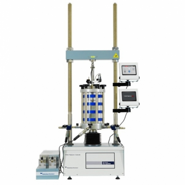 Standard triaxial system with built-in digital data acquisition