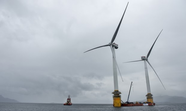 World's first floating wind farm powers up offshore Scotland