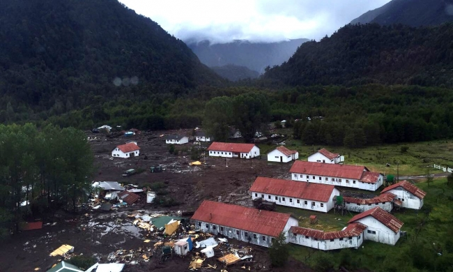 5 dead, 15 missing after mudslide in southern Chile (video)