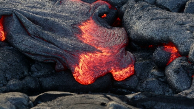 Hawaii's Big Island: The opening of 3 new fissures raises fears for an 'explosive eruption'
