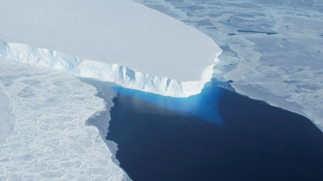 Geoengineering polar glaciers to decelerate ice melting