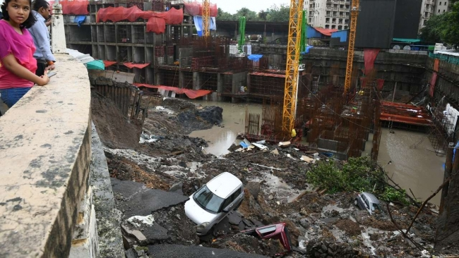 Wall collapses in Mumbai