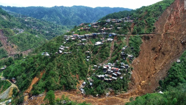 Philippines typhoon: Floods and landslides