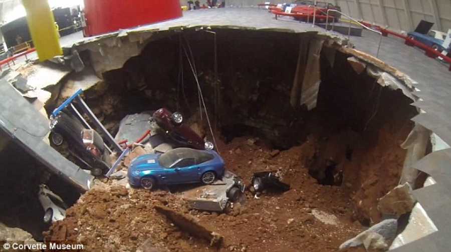 National Corvette Museum >> Sinkhole Damages Eight Vintage Valuable Corvettes At National